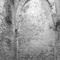 Les vestiges de la chapelle du bras nord du transept (2001)