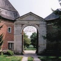 Le portail d'entrée de l'abbaye (2004)