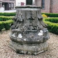 Songeons : chapiteau provenant de l'abbaye de Beaupré ou de Lannoy (2007)